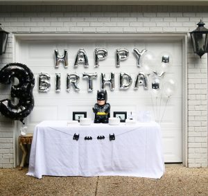 Batman kids' birthday party decor