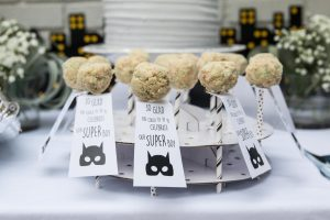Batman kids' birthday party decor; cake pops